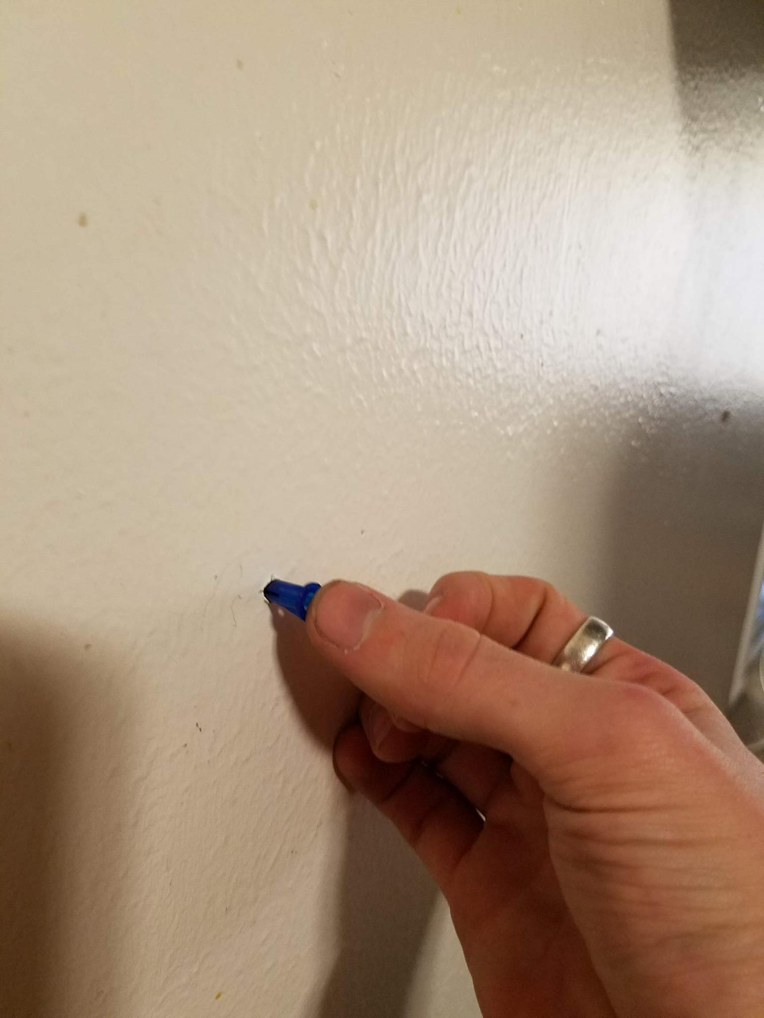 Picture of How to Set Up the Dry Wall Mounts