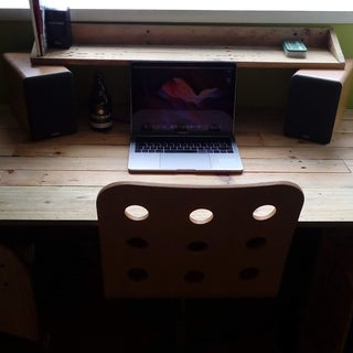 Large Pallet Computer Desk - Hand Tools