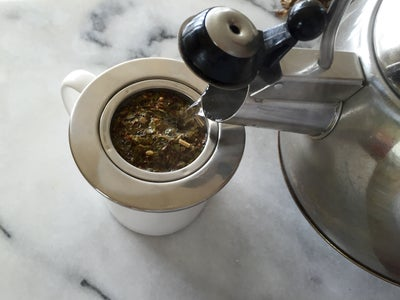 Pour Water Over Leaves and Let Sit for 5 Minutes