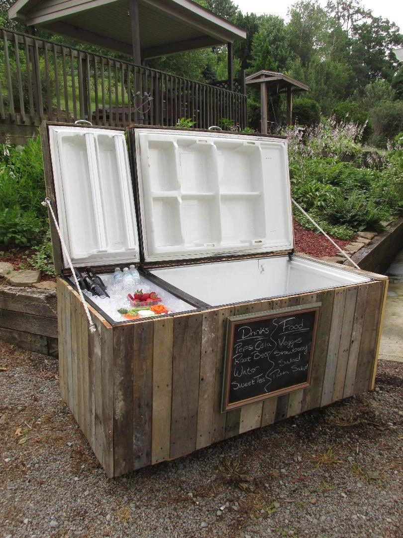 Picture of Awesome Rustic Cooler From Broken Refrigerator and Pallets