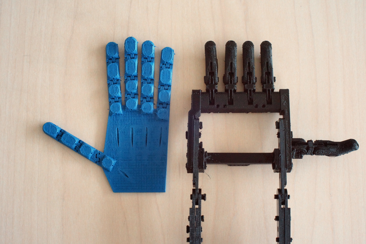 Picture of Prosthetic/Robotic Hand Printable As an Assembled Unit Without Supports