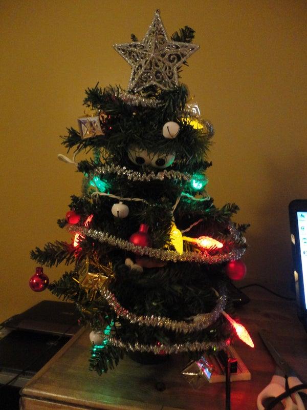 Animatronic Talking Christmas Tree - Part 1