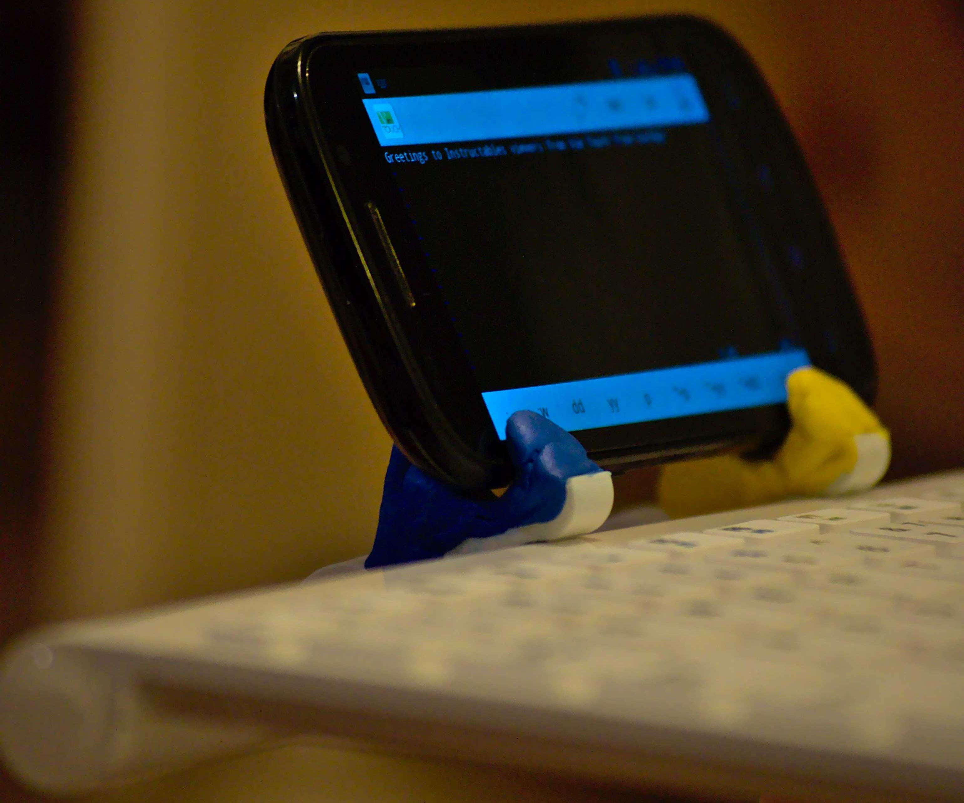 Smartphone Holder For Portable Bluetooth Keyboard With Sugru 3 Steps Instructables