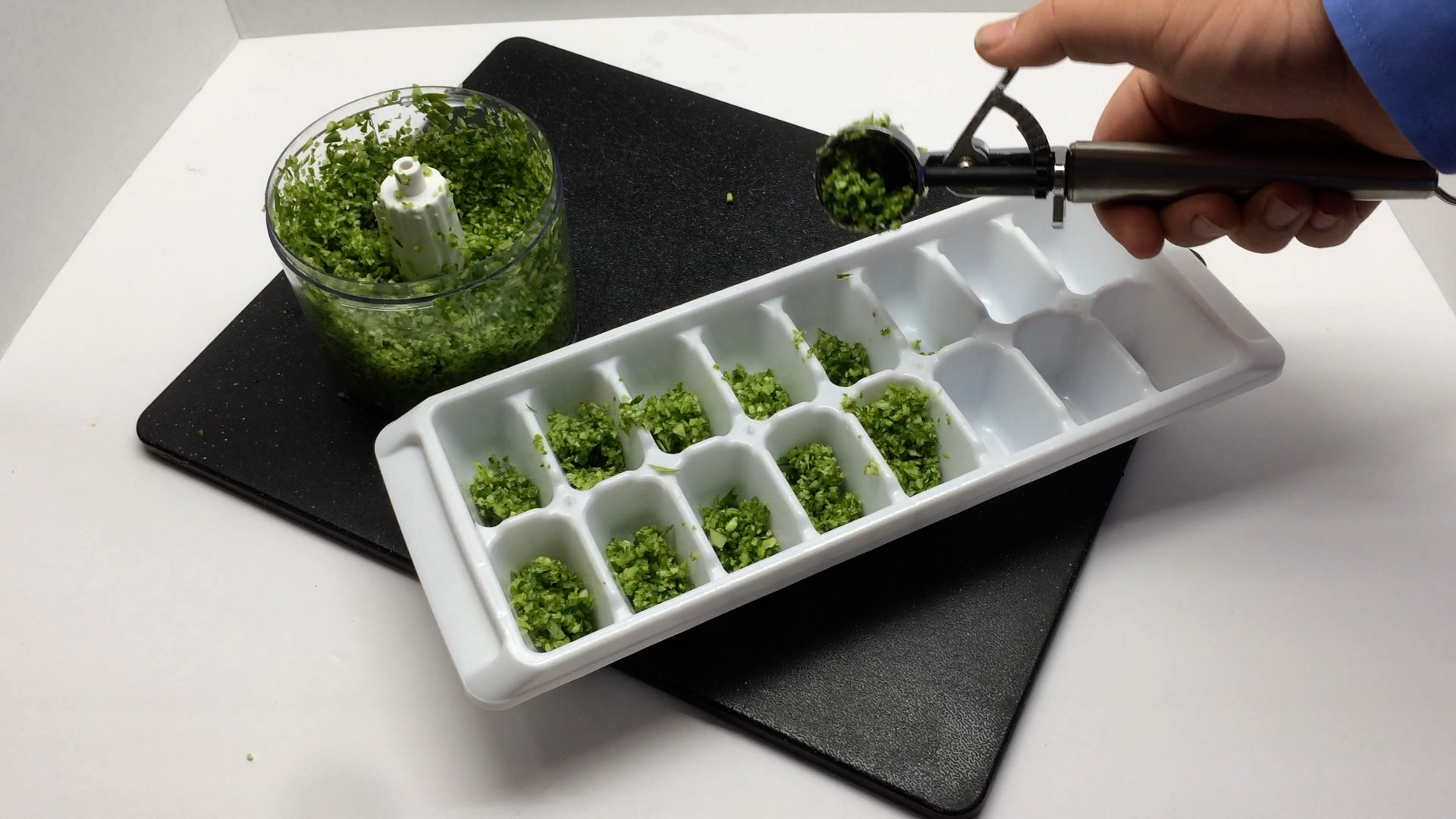 Picture of Garlic Scape Olive Oil Cubes