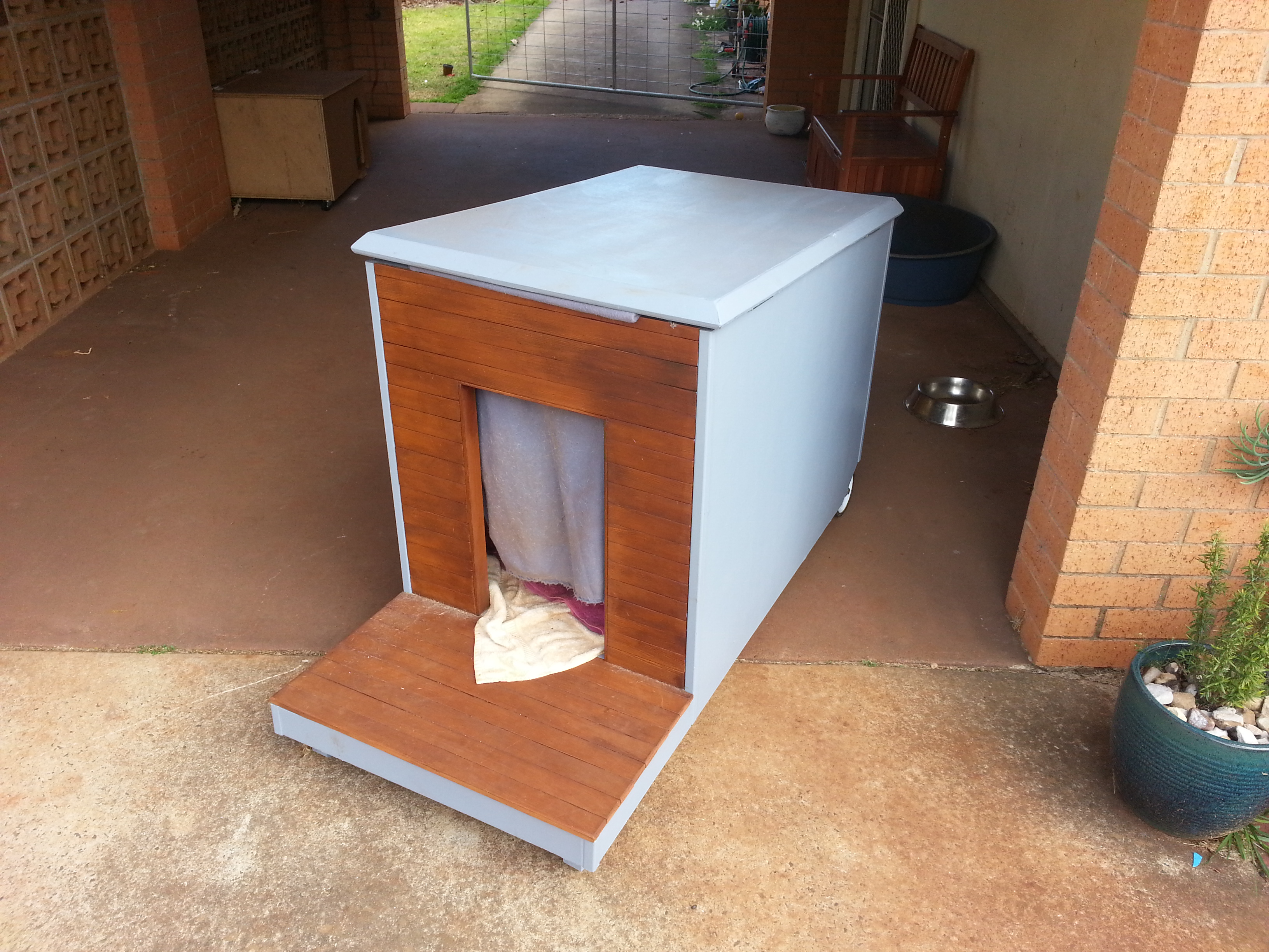 Picture of Mobile Dog House