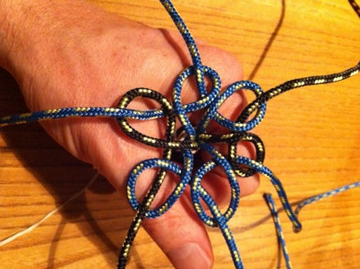 Star Button Knot, Tied in the Hand