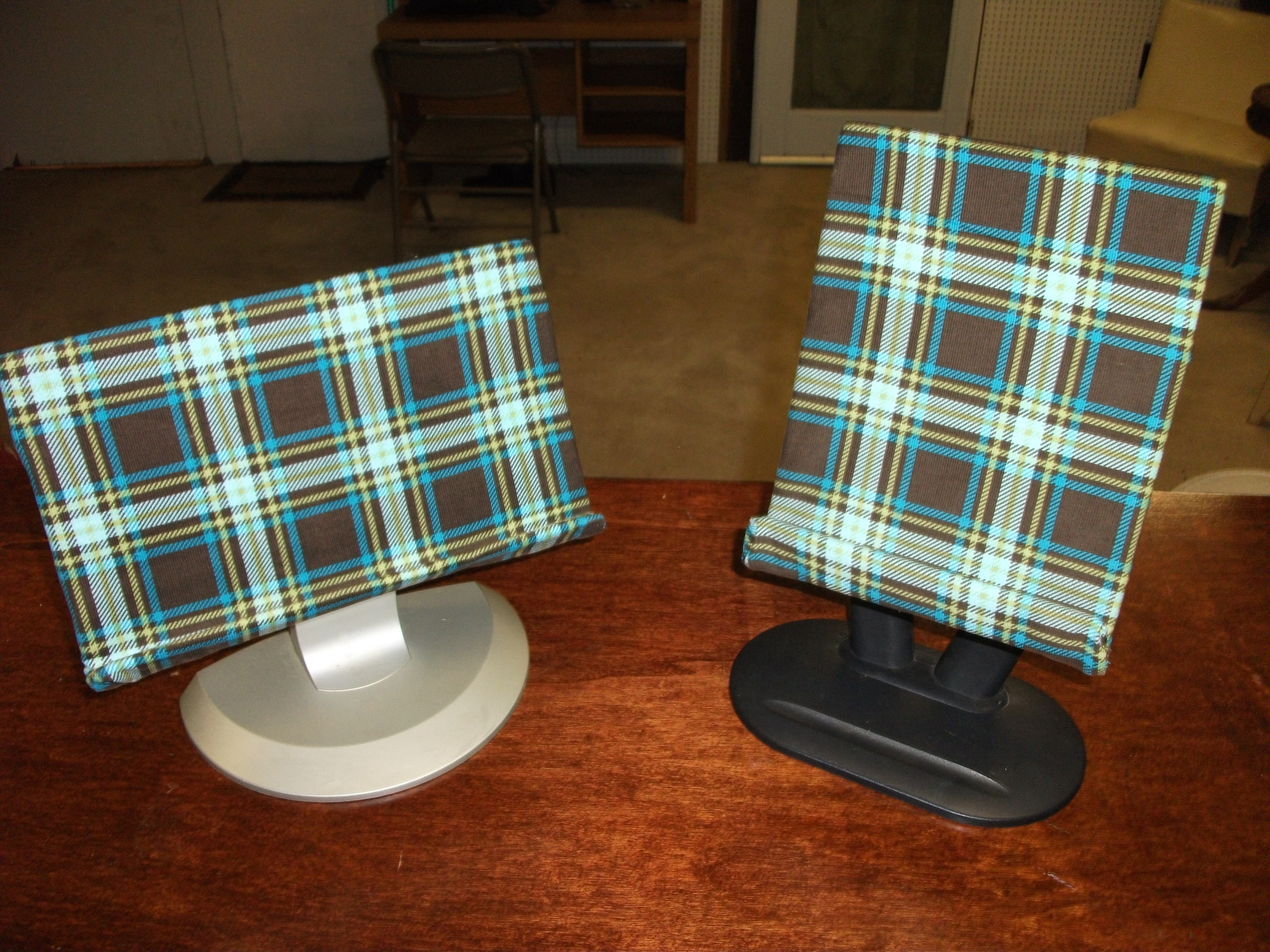 Picture of Homeade Tablet Stands Done in Style