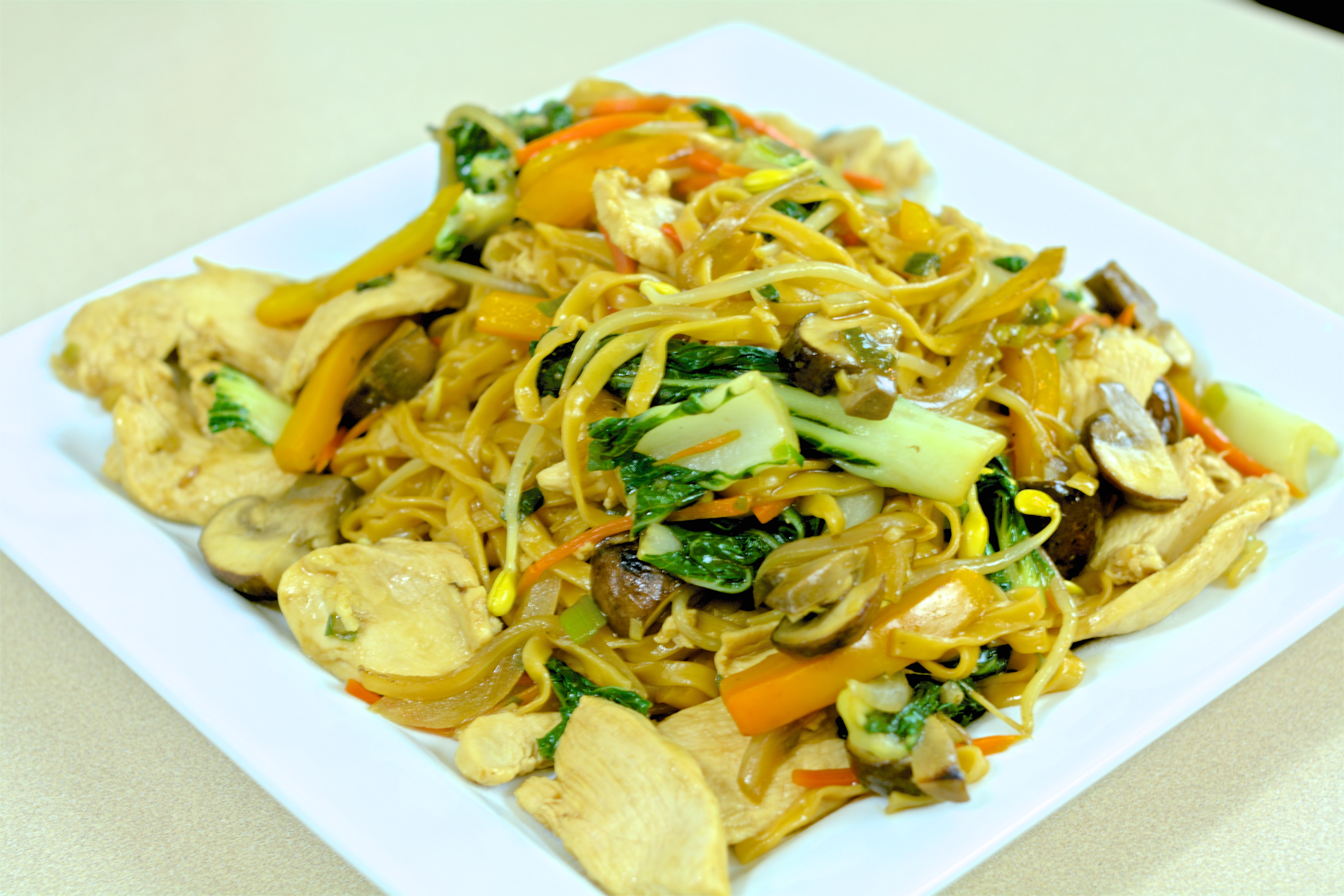 Picture of Chow Mein With Velveted Chicken