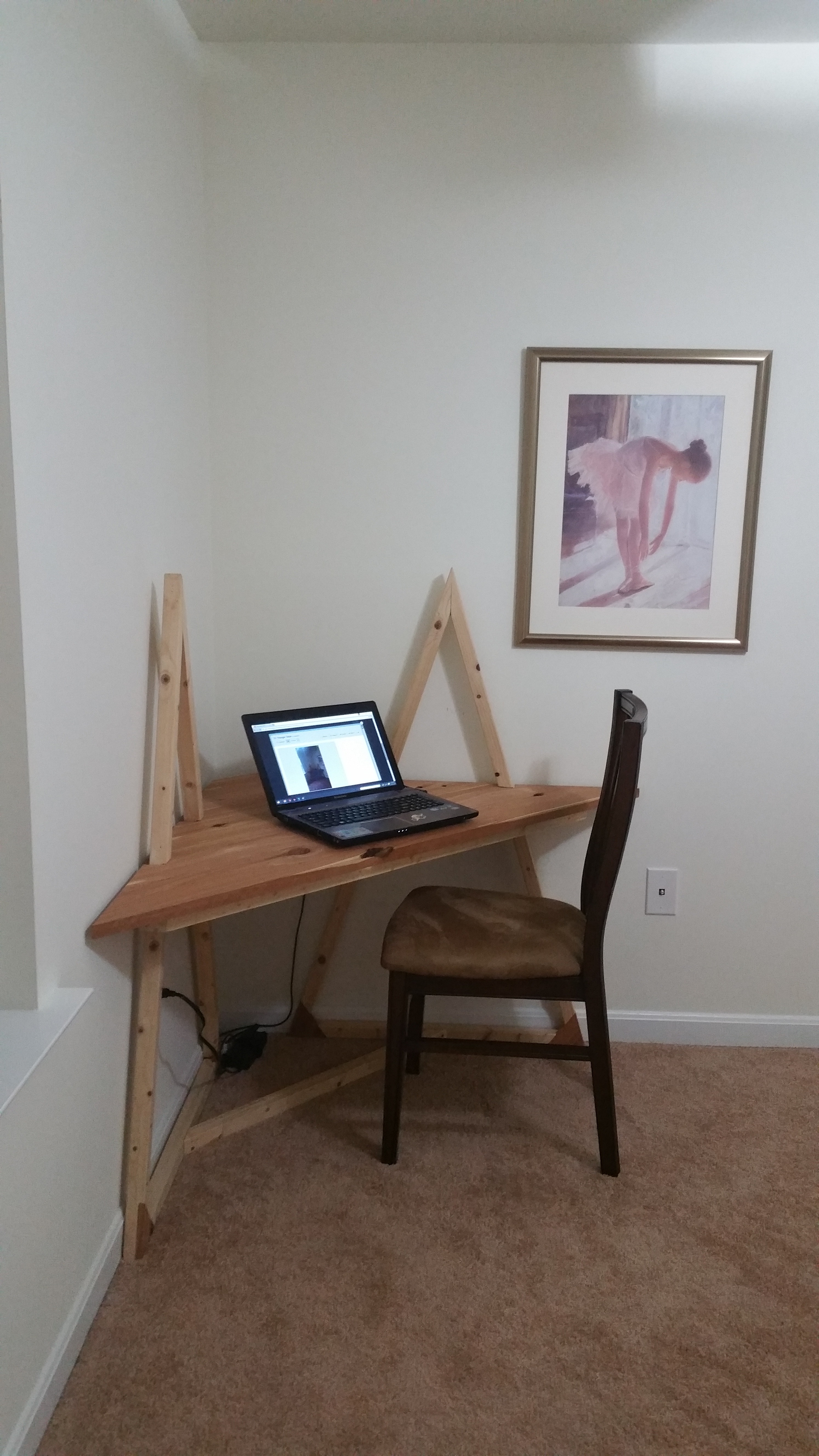 Picture of Tri Triangle Table