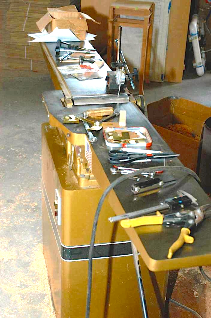 Picture of Changing the Cutterhead on Your Jointer
