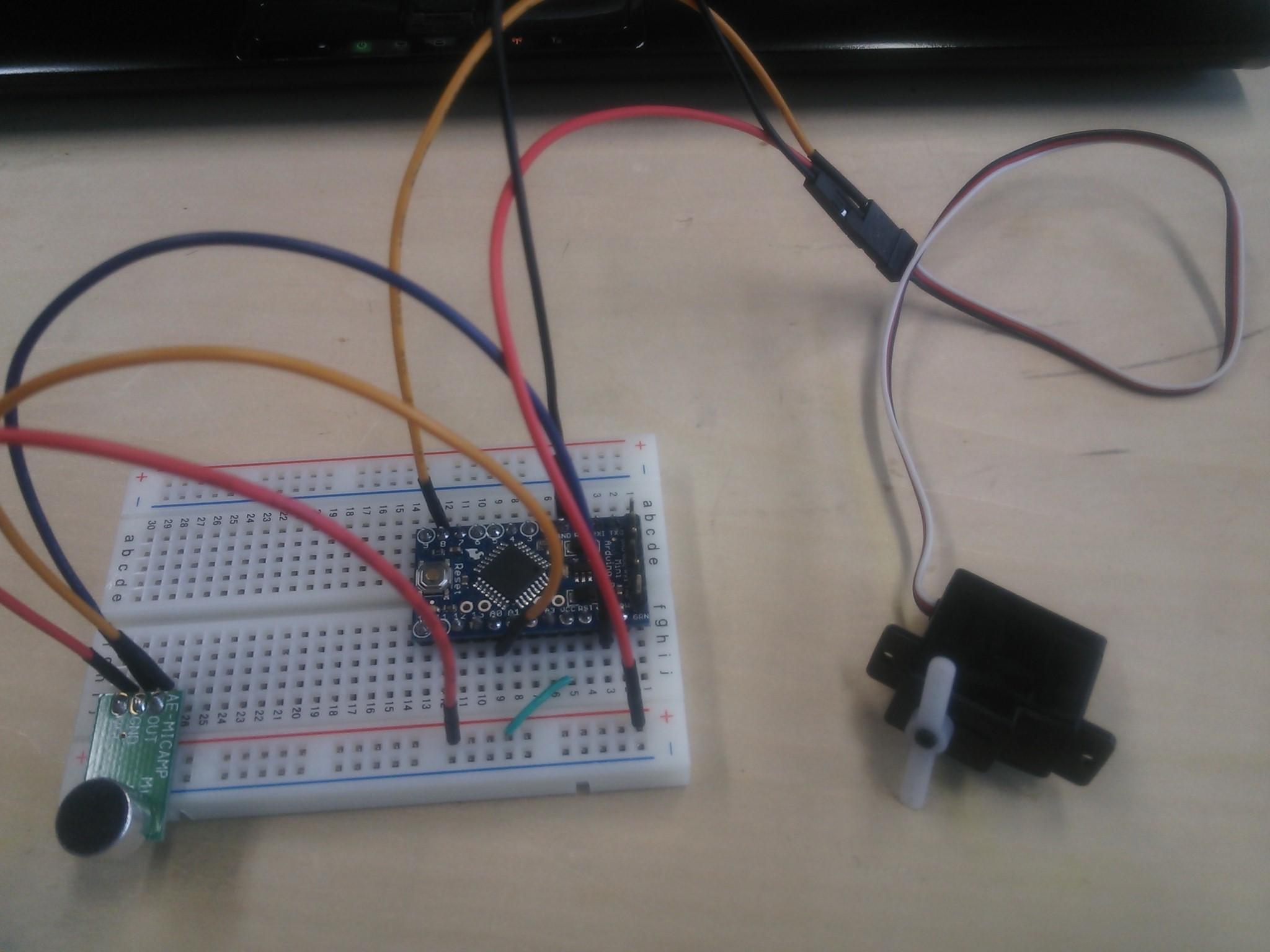 Picture of 手順1-1:Arduinoにサーボモータと音声センサを制御するためのプログラミングをします.