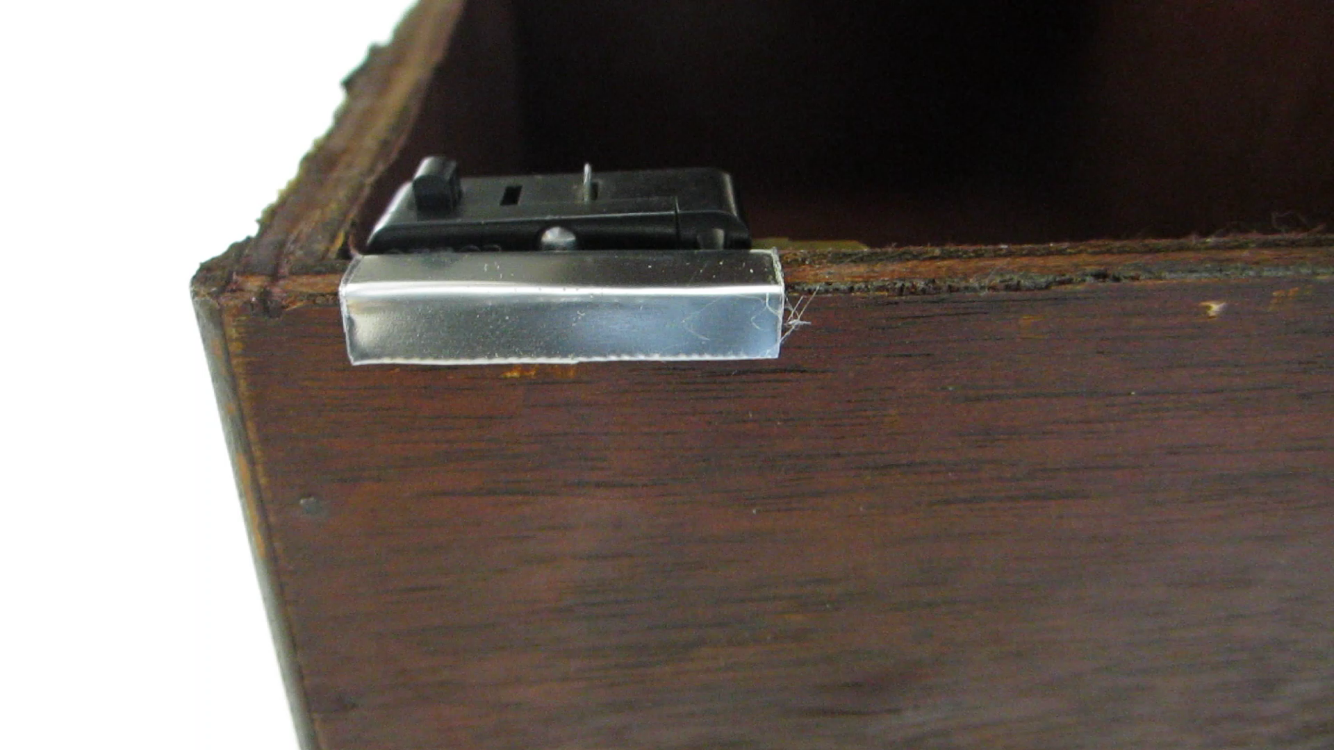 Picture of Mount the Switch to One of the Metal Brackets