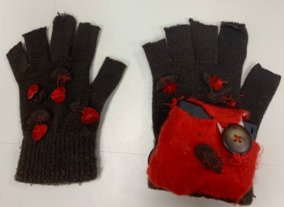 Colour Stealing Mittens With Circuit Playground Express