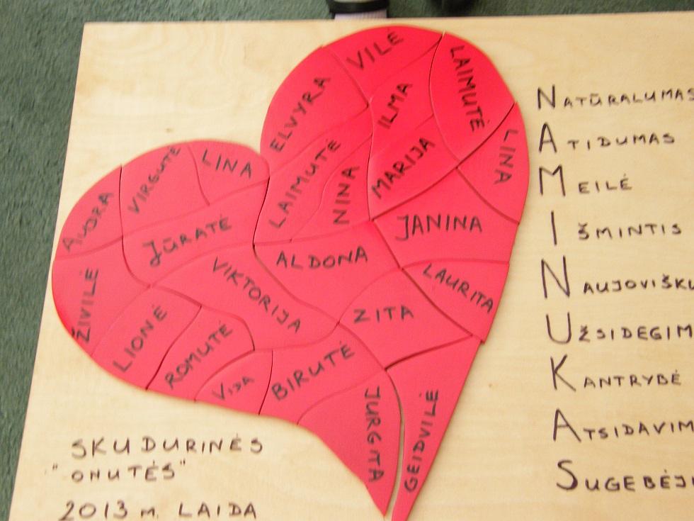 Picture of A Puzzle Heart for Kindergarten Graduation Celebration