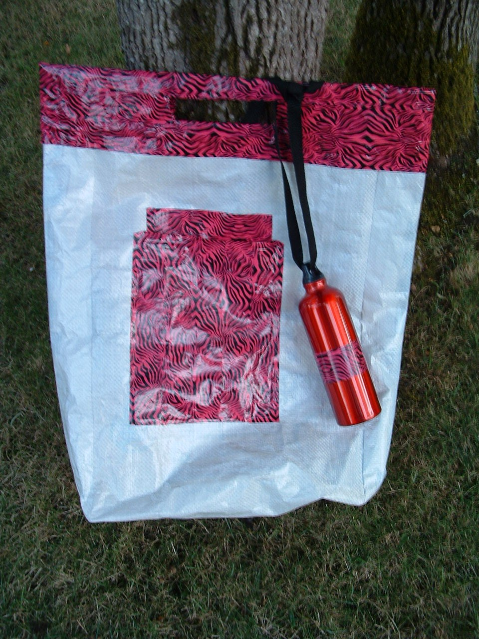 Picture of Make This Durable Storage Bag, or Beach Bag From an Empty Dog Food Sack.