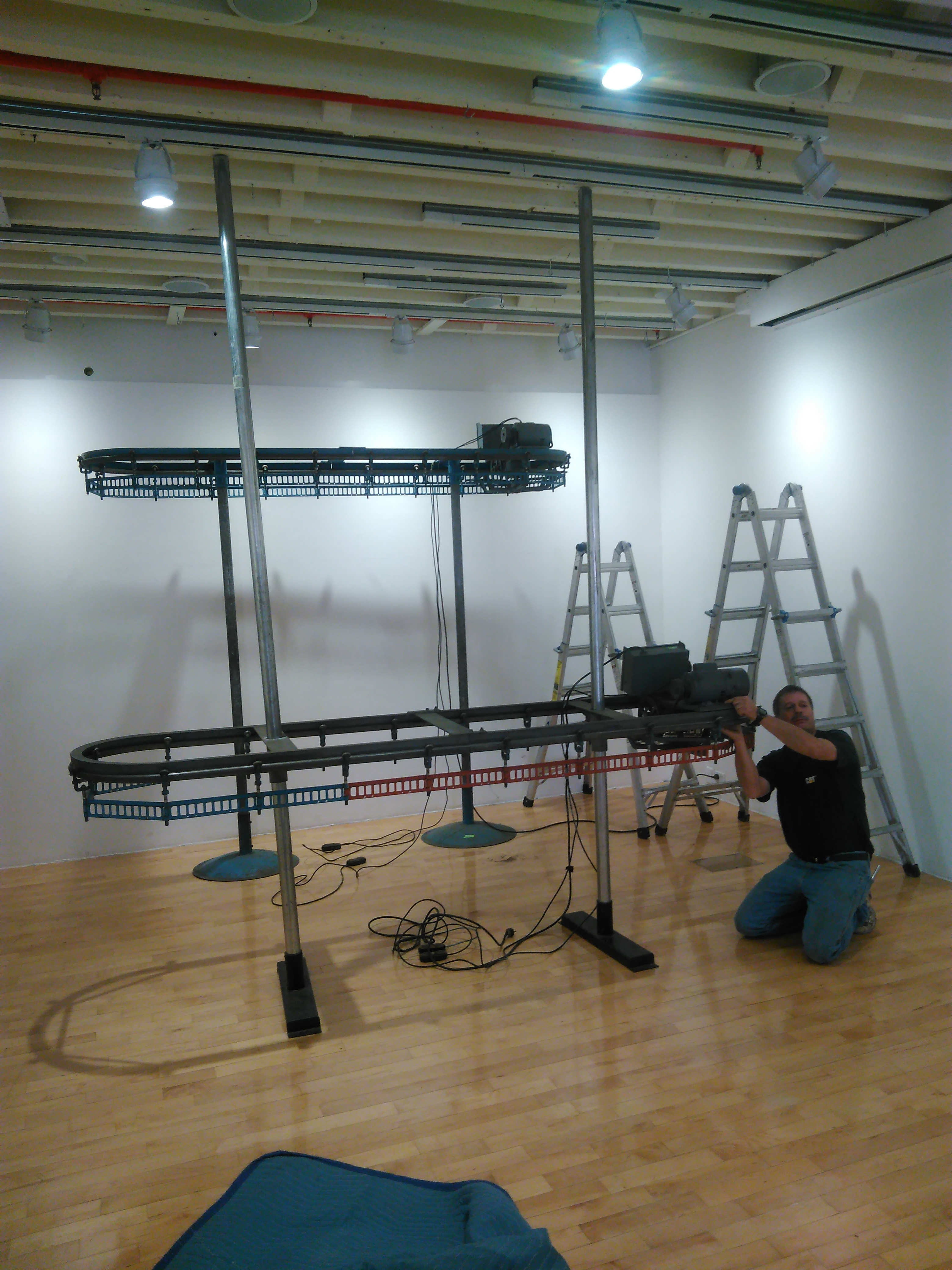 Picture of Installing Conveyors