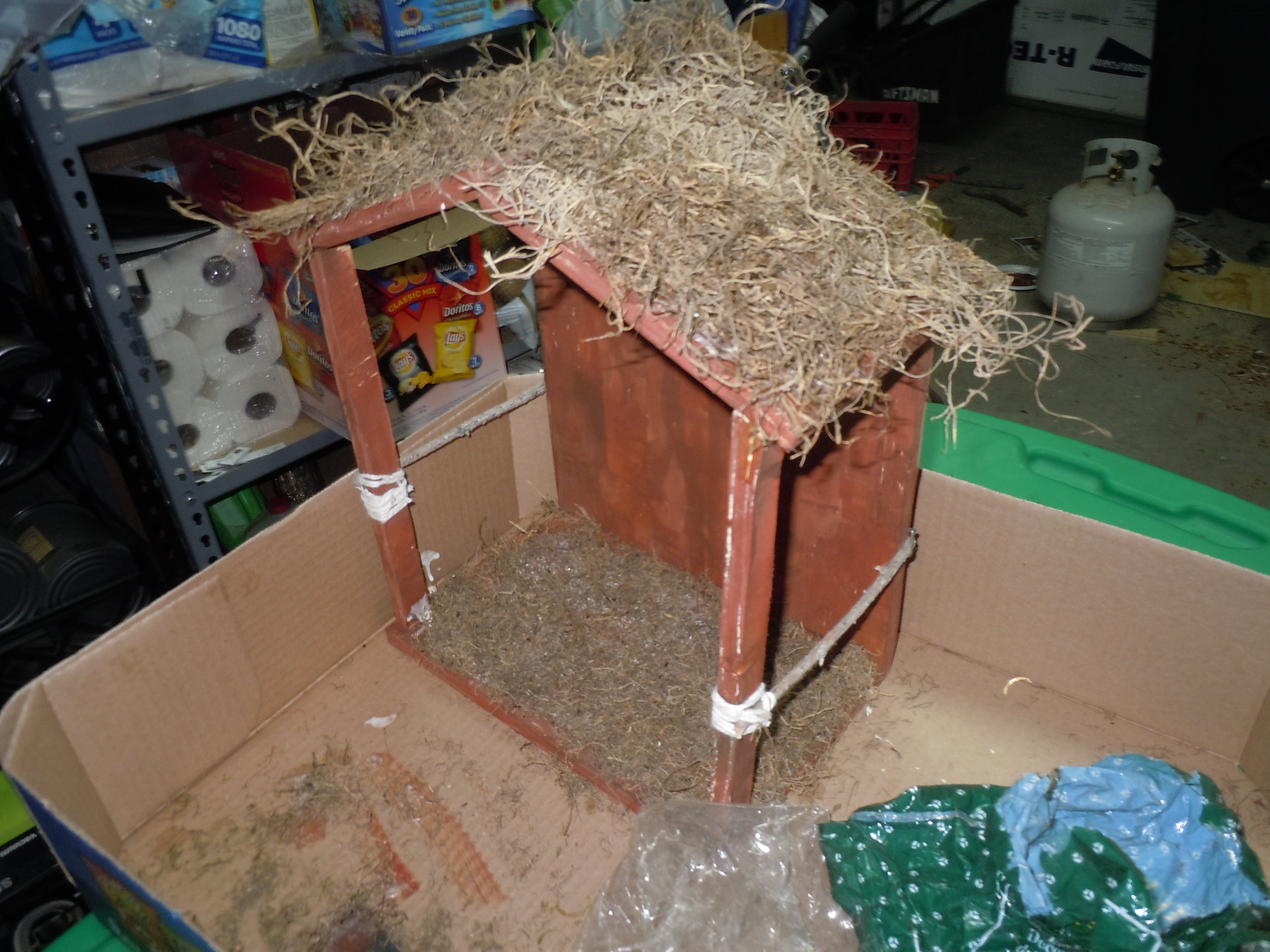 Picture of How to Make a Nativity Stable