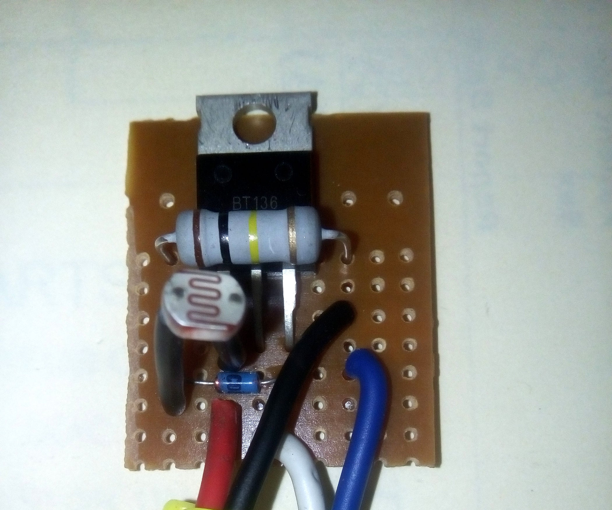 Simple Mini Dusk To Dawn Switch For 220v Ac 7 Steps With Pictures Mains Voltage Sensor Circuit