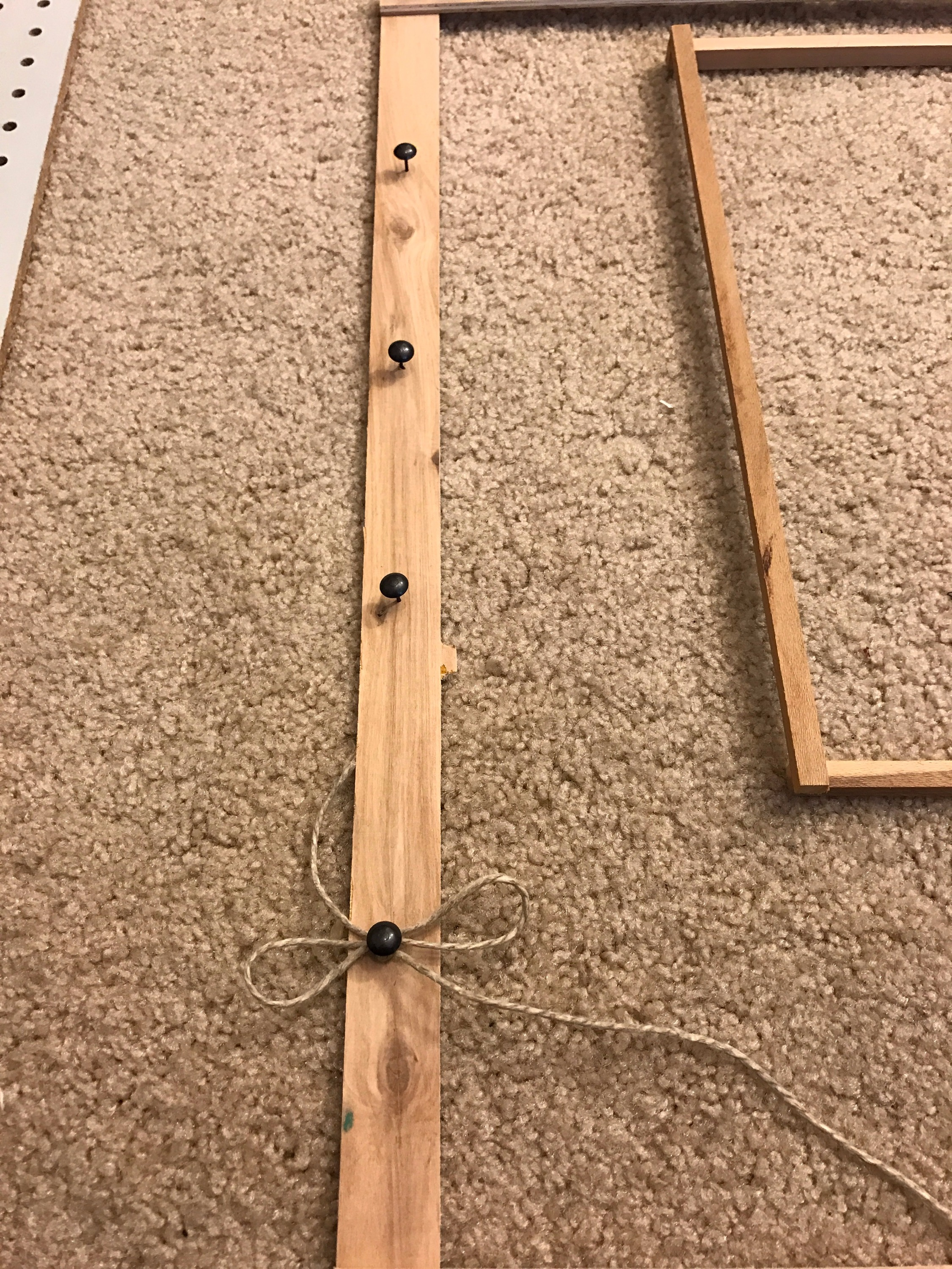 Picture of Wrap Twine Around Pins