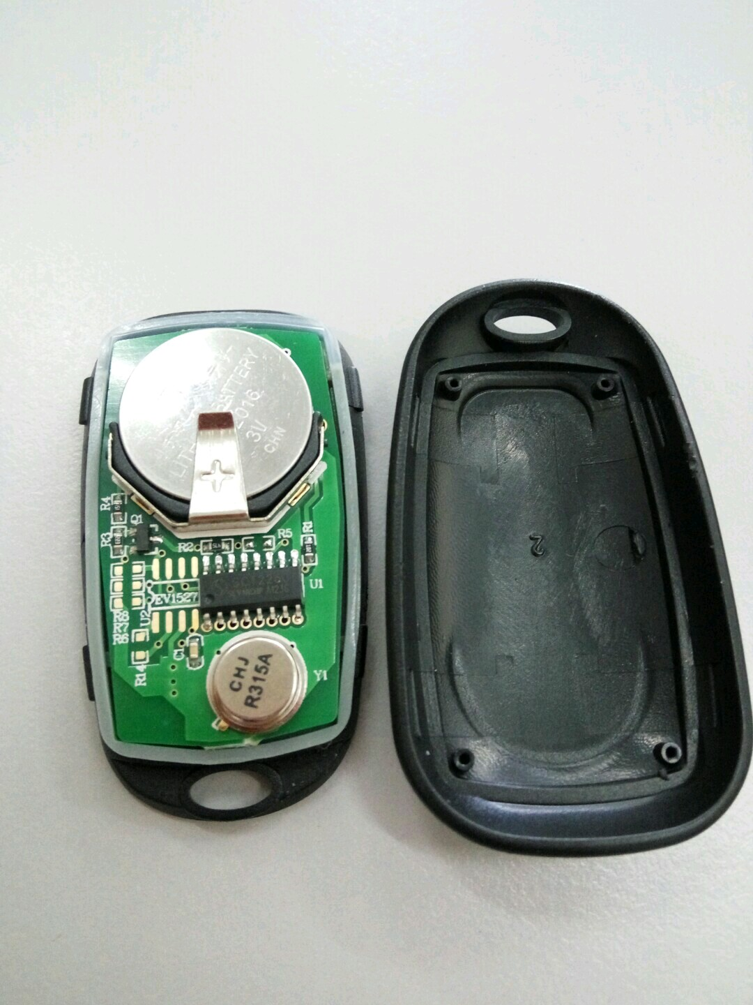 Picture of Open the Keyfob From Side
