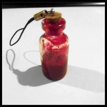 Bloody Bottle Charm *Easy DIY*