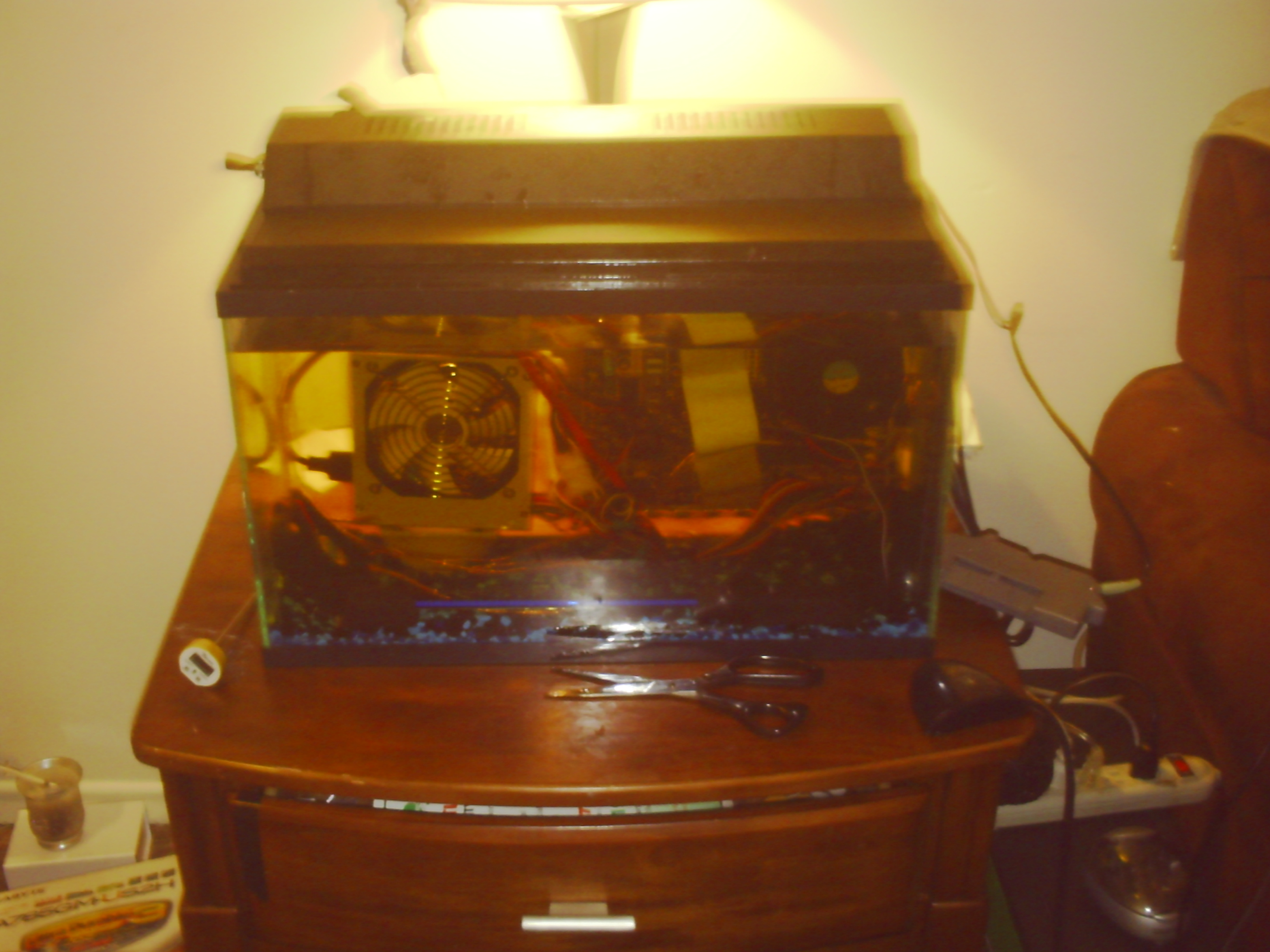 Picture of Oil Submerged Fish Tank Pc