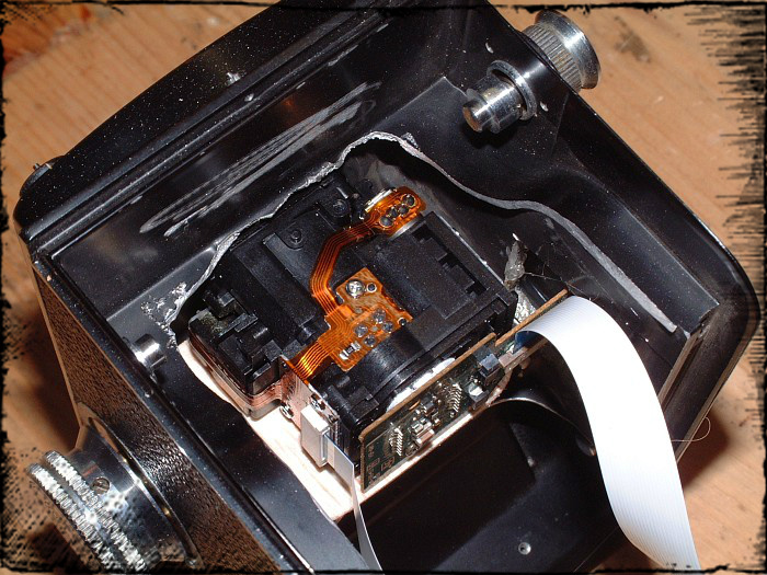 Picture of Preparing the Body of the Old Zenobiaflex - Inserting the CCD