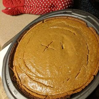 How to Bake a Pumpkin Pie (from Scratch)