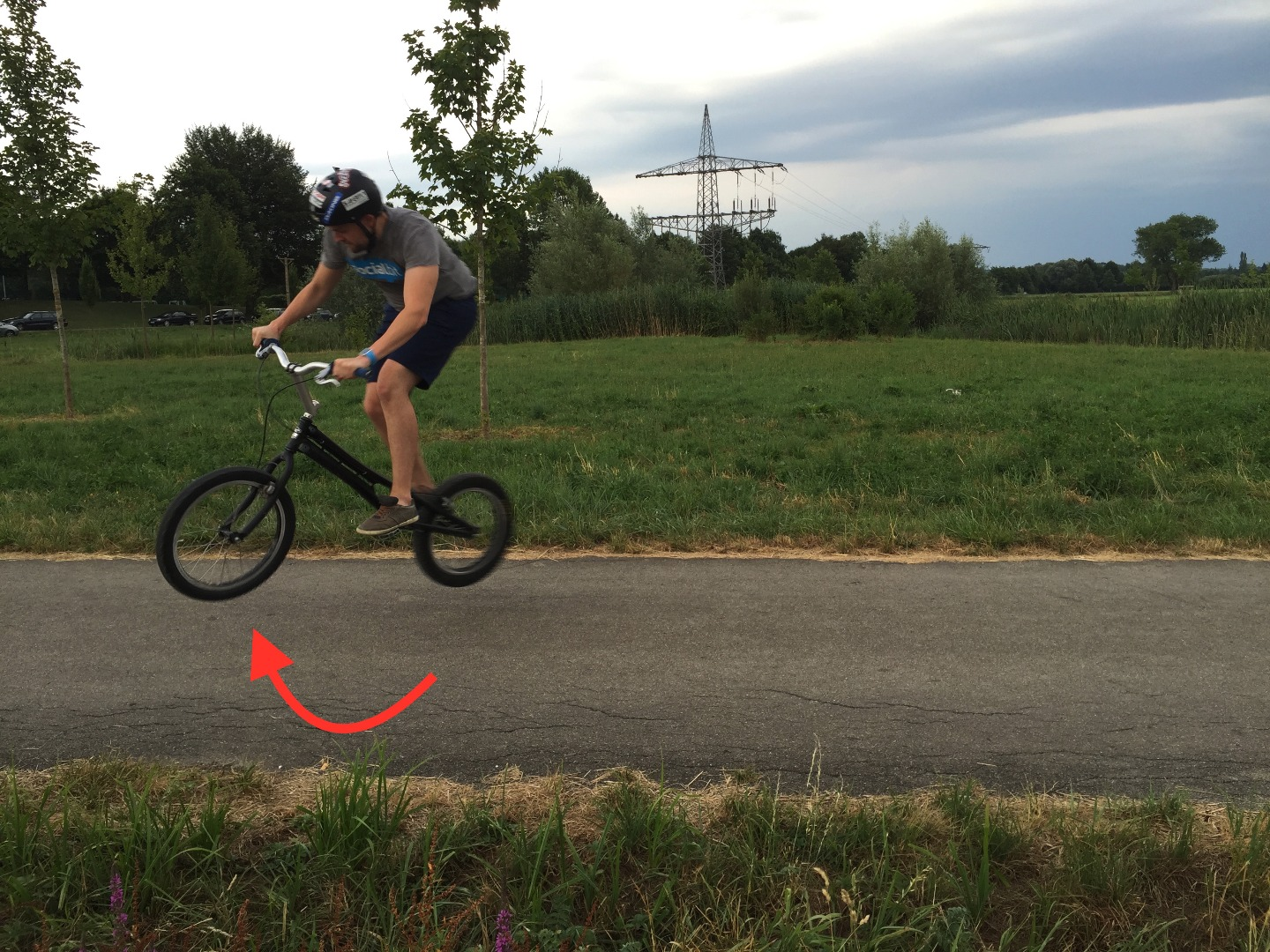 Picture of How to Perform a Supercool 360° Tailtap With Your Trial Bike
