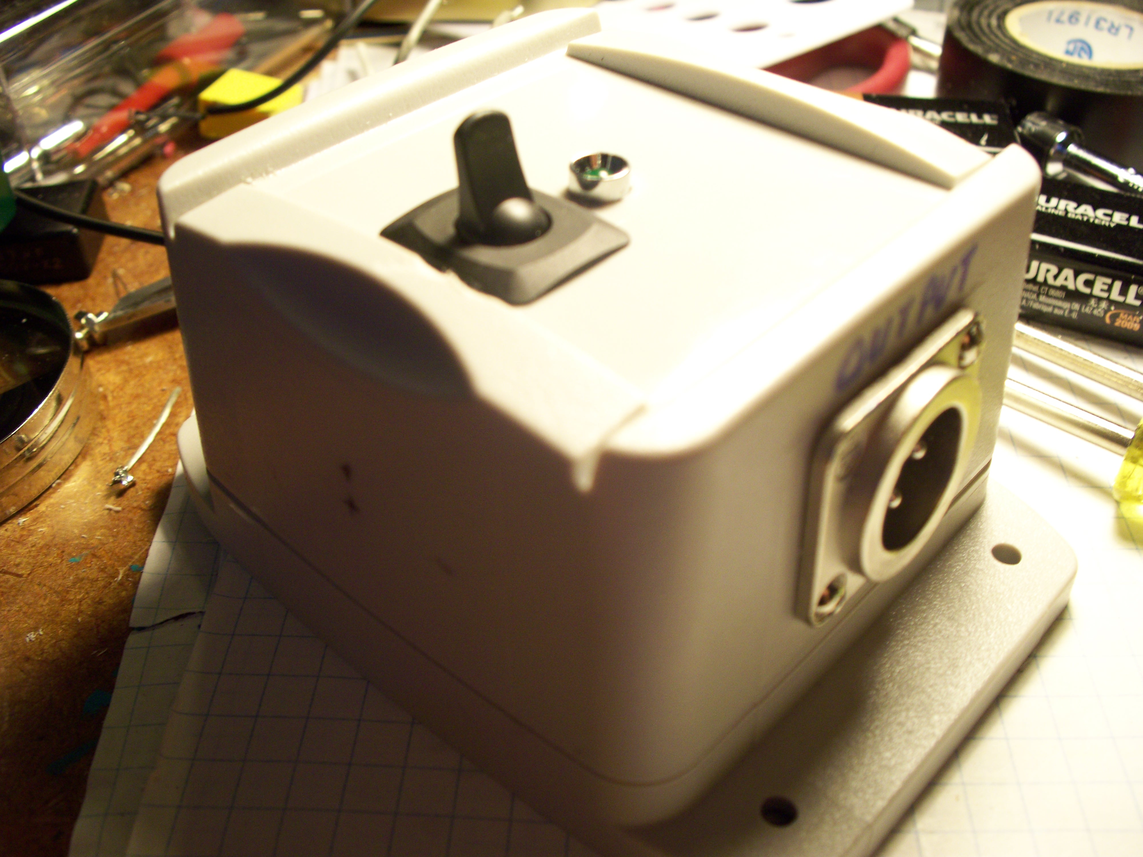 Build the $5 Microphone Preamp: 4 Steps