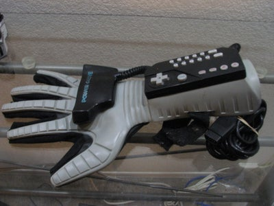 Power Glove 20th Anniversary Edition