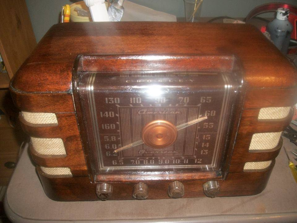 Picture of  Restoring an Antique Radio Crosley 66tc