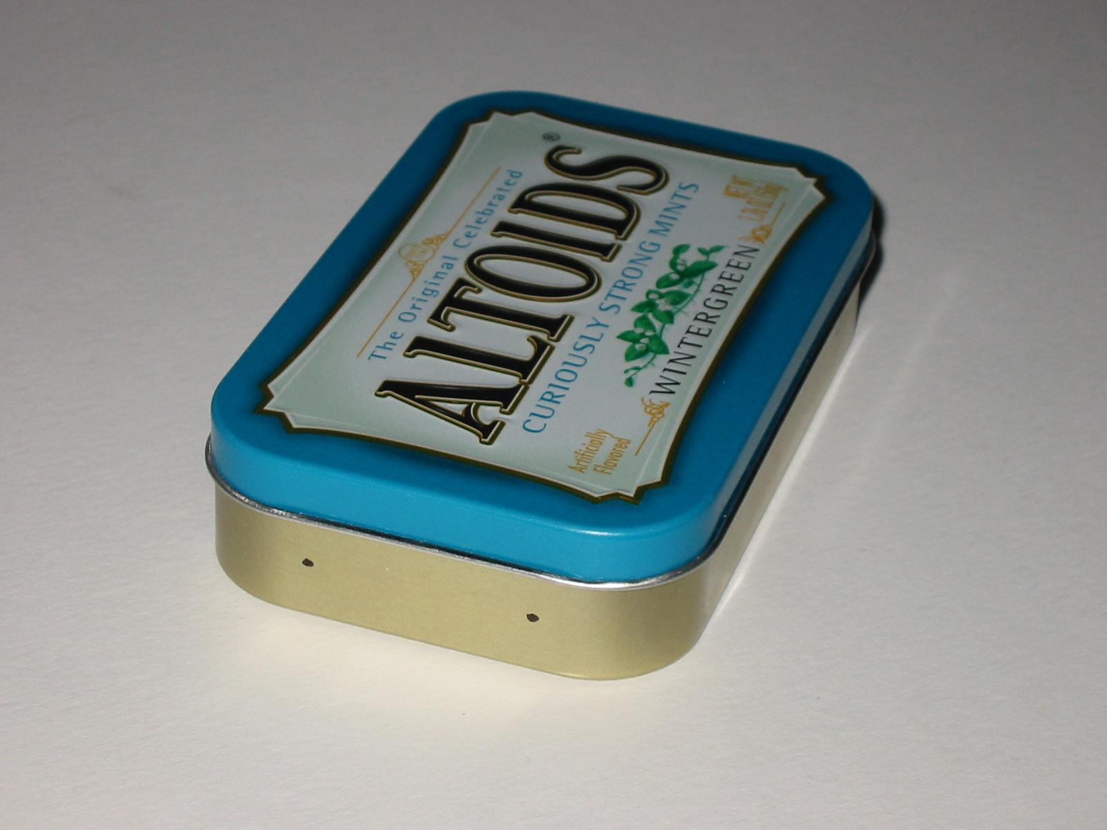 Picture of Preparing the Altoids Tin