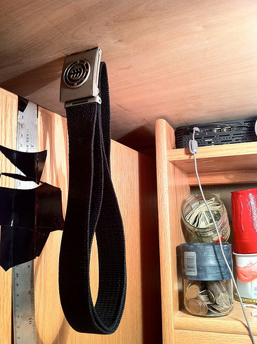 Picture of Magnet Belt Hanger (Dorm Life)