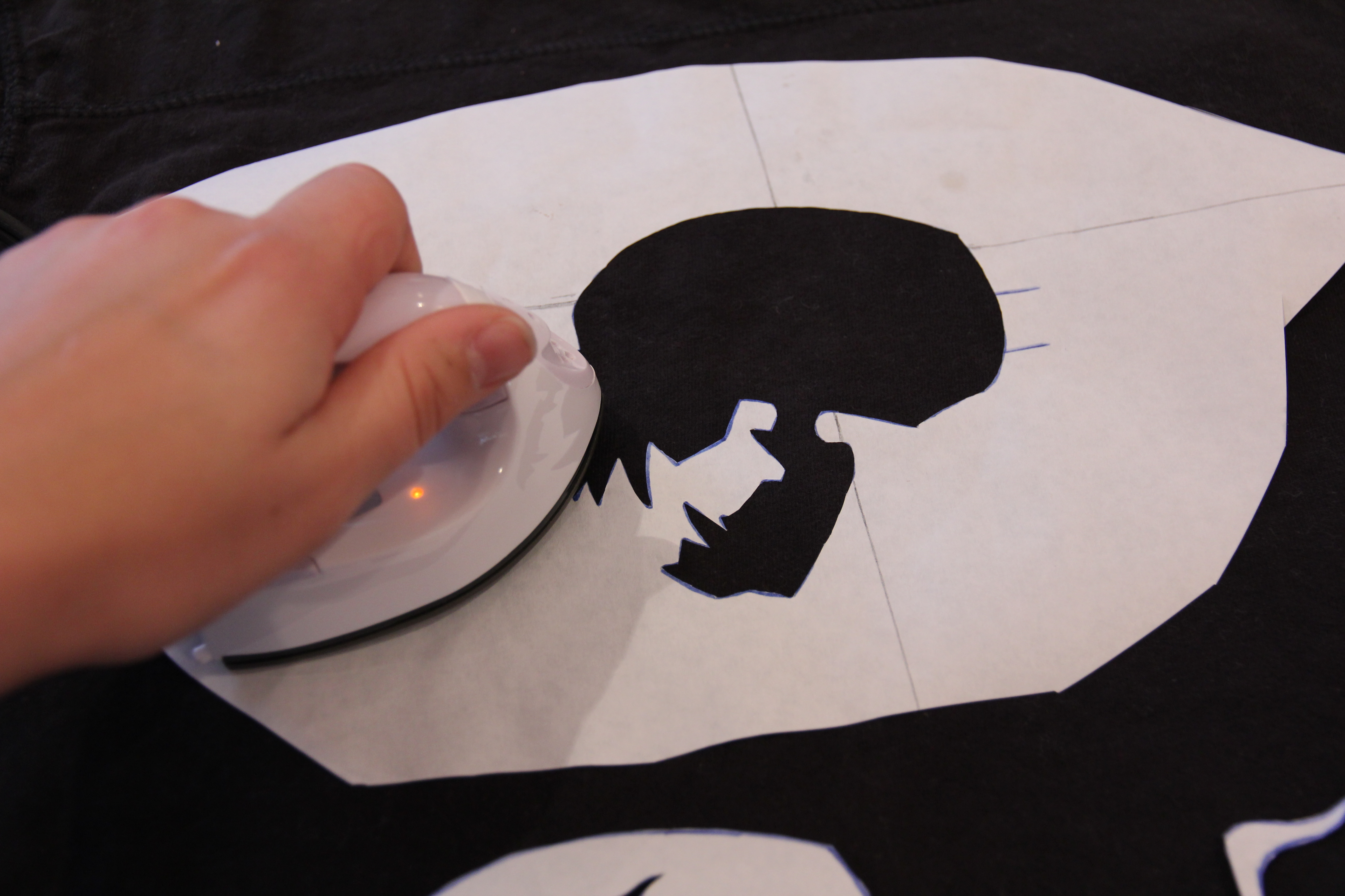 Picture of Bleached Skull Stencil - Ironing the Outline