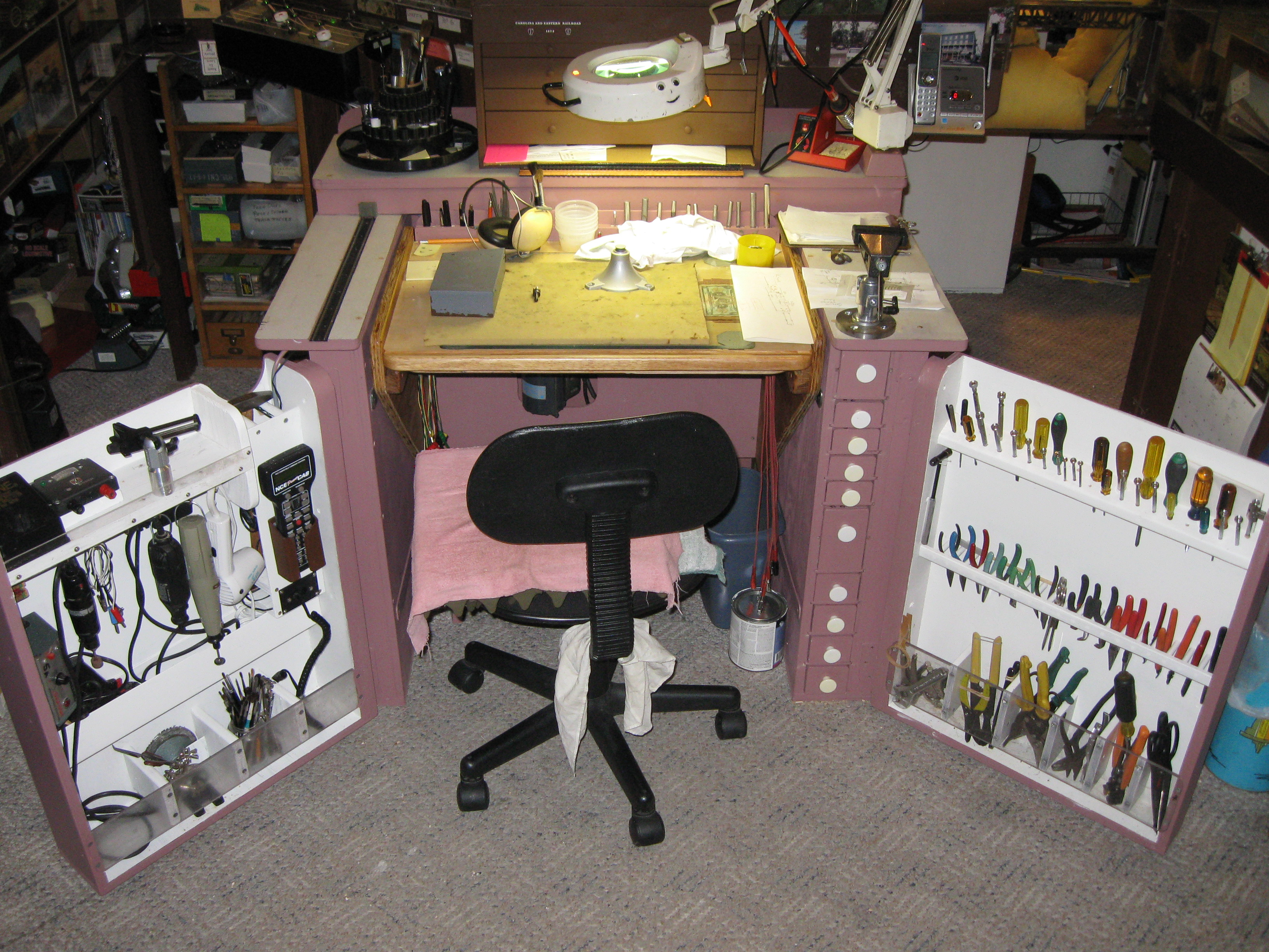 Picture of Jim's Model Railroad Work Bench