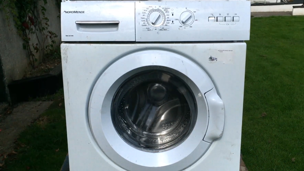 Picture of The Washing Machine.