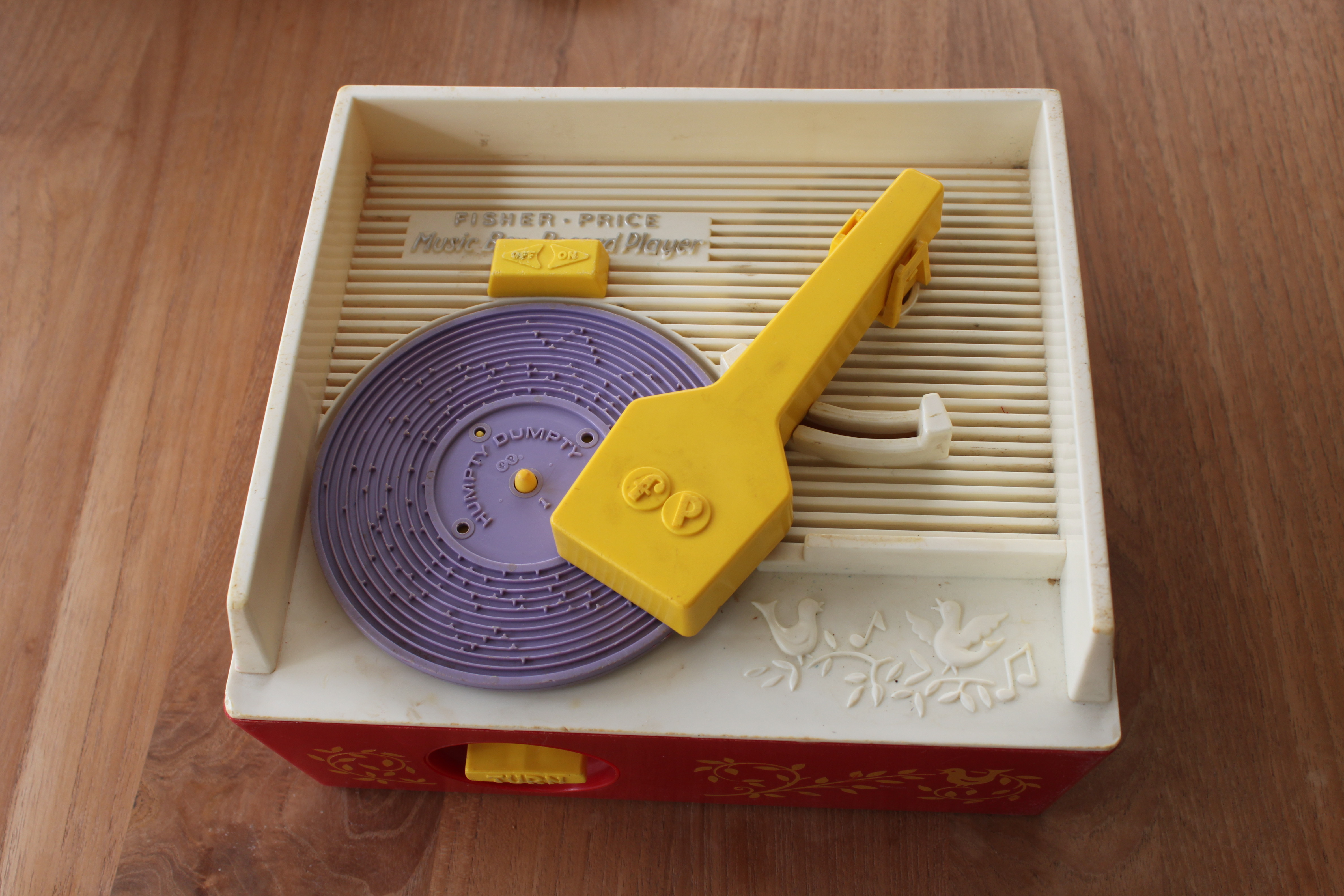 Custom Records for a 70's Toy Record Player: 5 Steps (with Pictures)