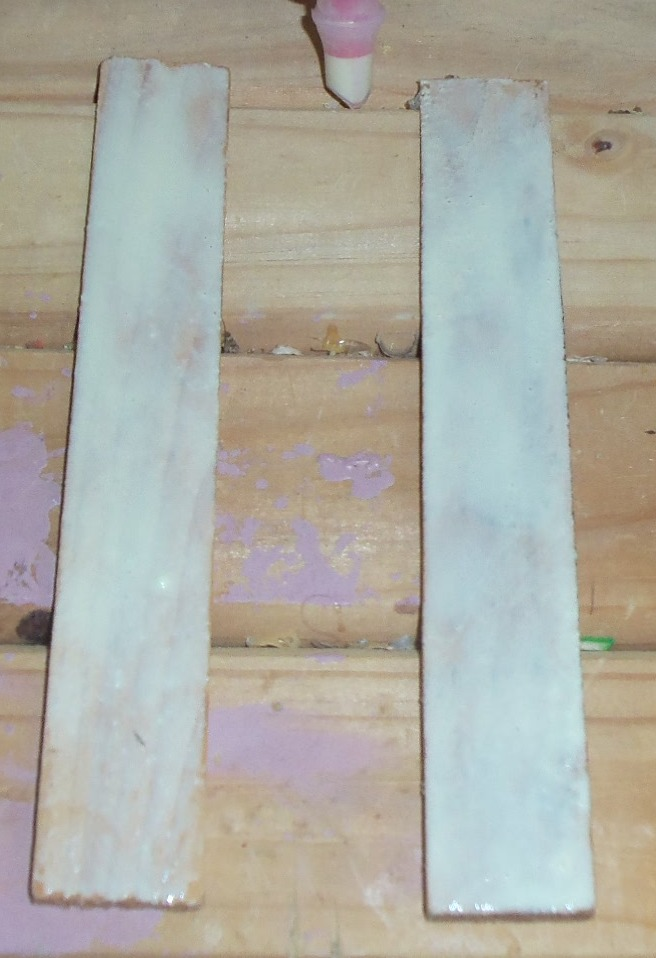 Picture of How to Glue the Wood Shims Together