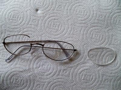 Emergency Glasses Repair Using Sugru