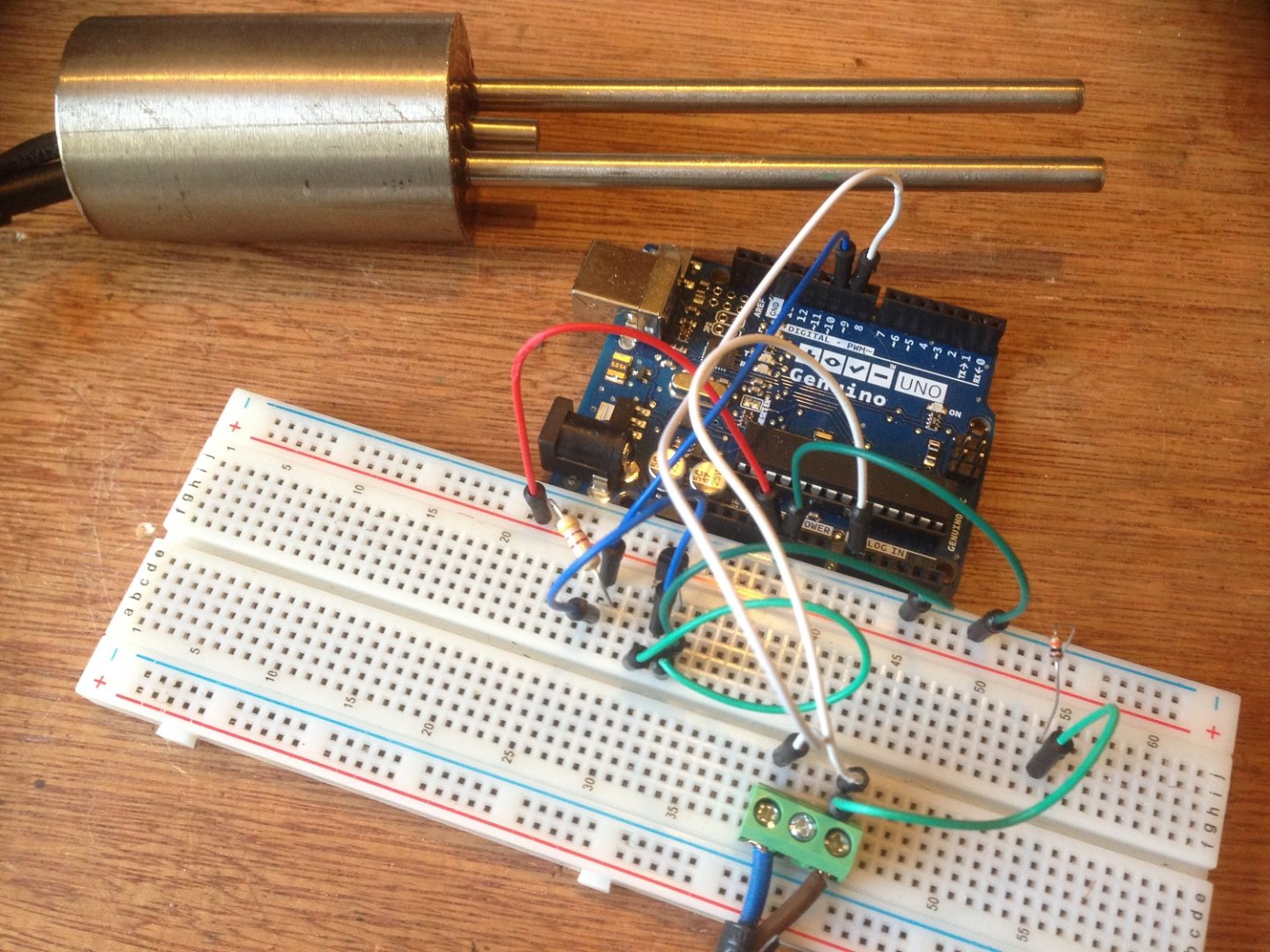 Instructions Arduino Gprs Iot Weather Station Digital Thermometer Circuit Ds18b20 Electronics Projects Circuits The Is Easy To Set Up But Wiring Counter Intuitive And There Are Two Different Ways Wire It Which Can Create More Confusion