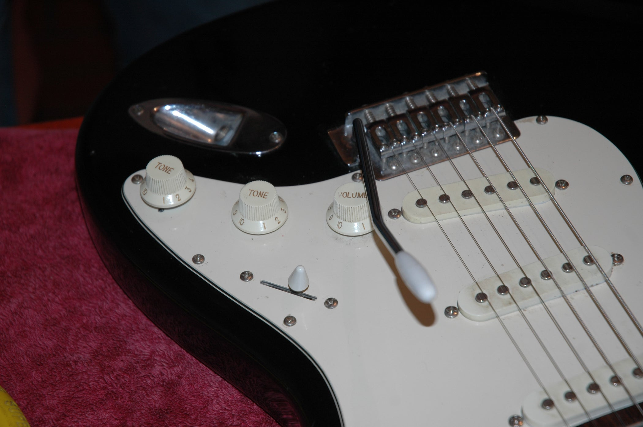 Varitone Mod On Stratocaster Clone Guitar 7 Steps With Pictures Strat Wiring 2 Tone Caps