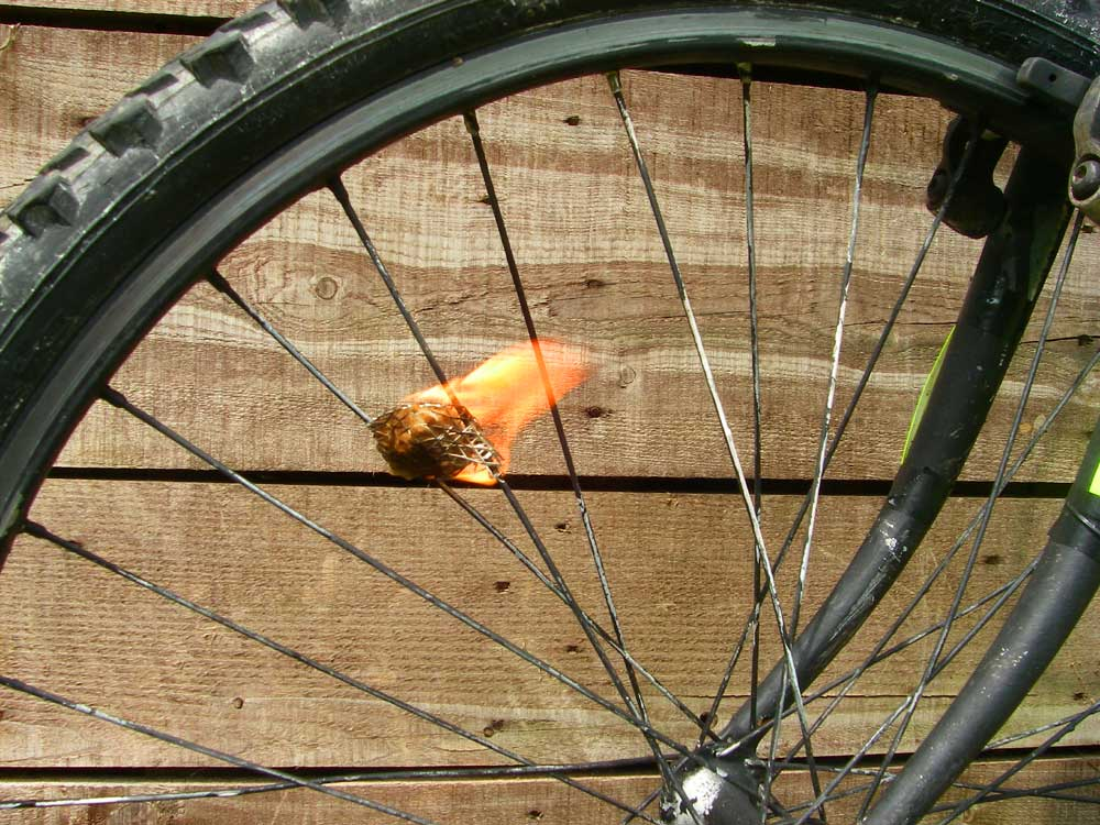 Picture of DANGEROUS WHEEL-LIGHTS . (now With Videolink).