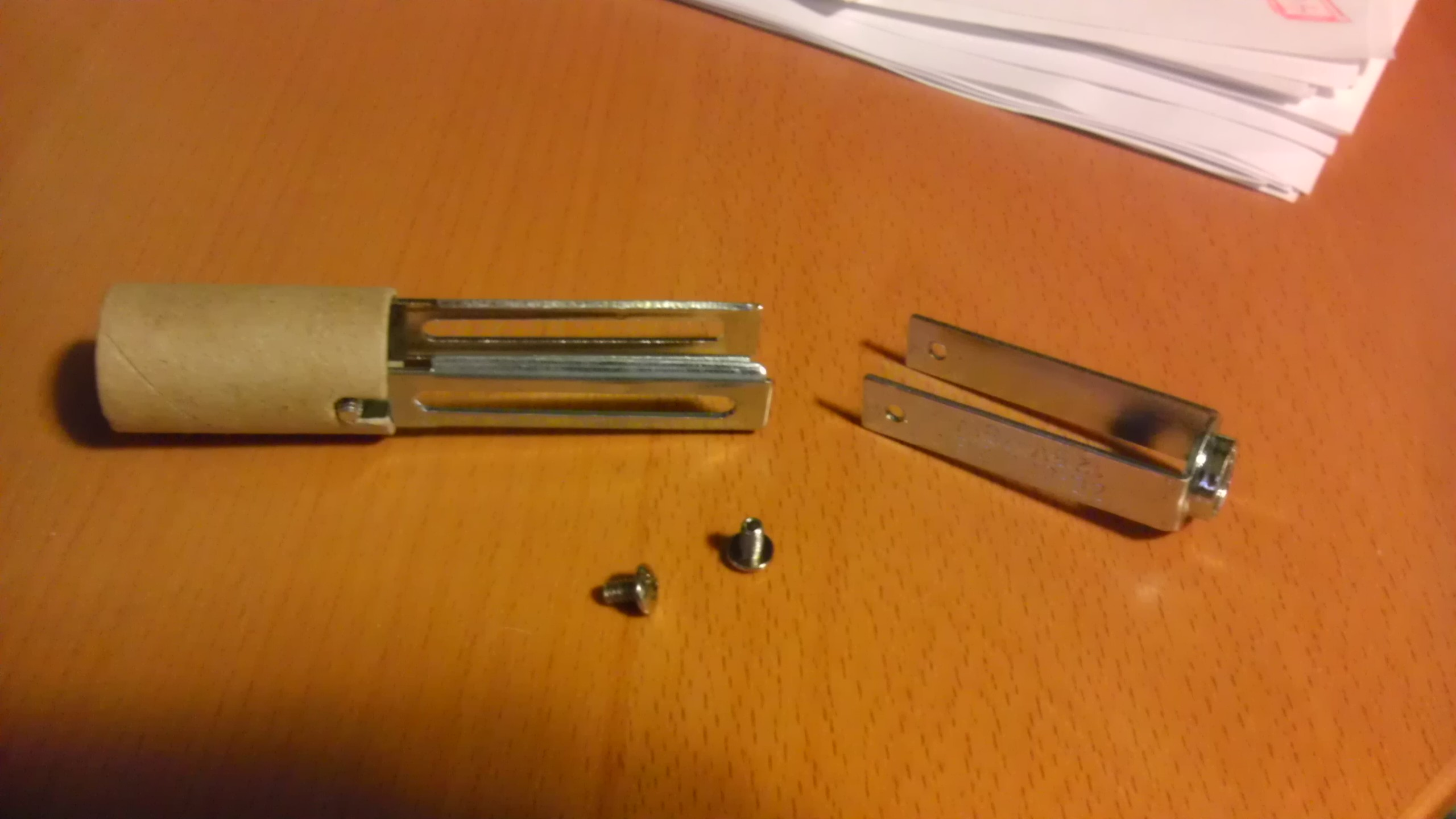 Picture of Disassemble the Candelabra Socket