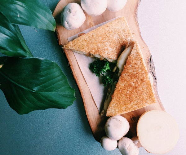 RECIPE   GRILLED MUSHROOM CHEESE SANDWICH