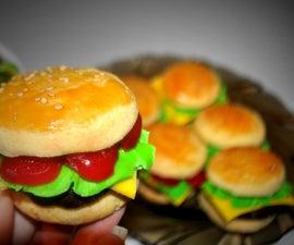 """Tiny """"cheeseburger"""" (vanilla, chocolate and cherry cookies!)"""