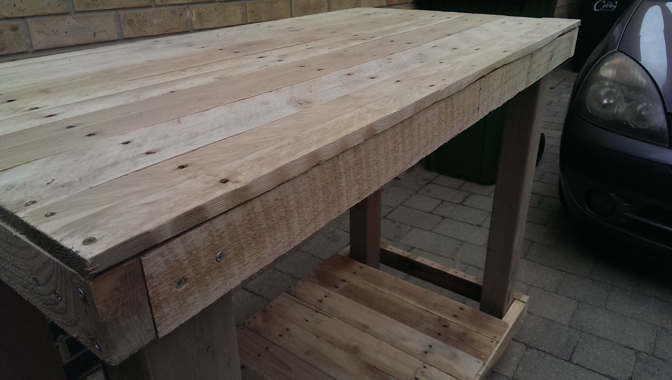 Picture of Pallet Workbench