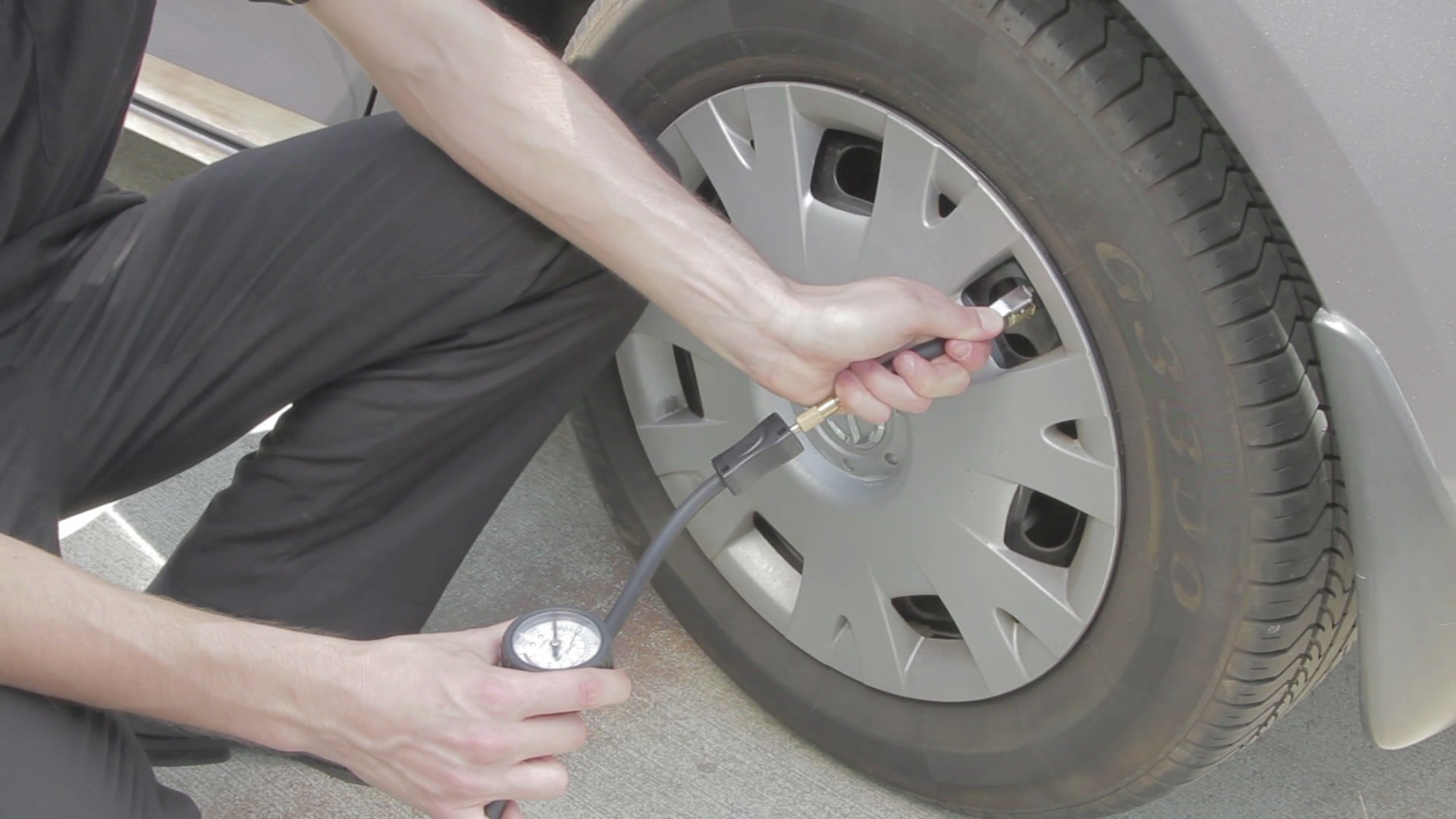 Picture of Chenge Tyre Car