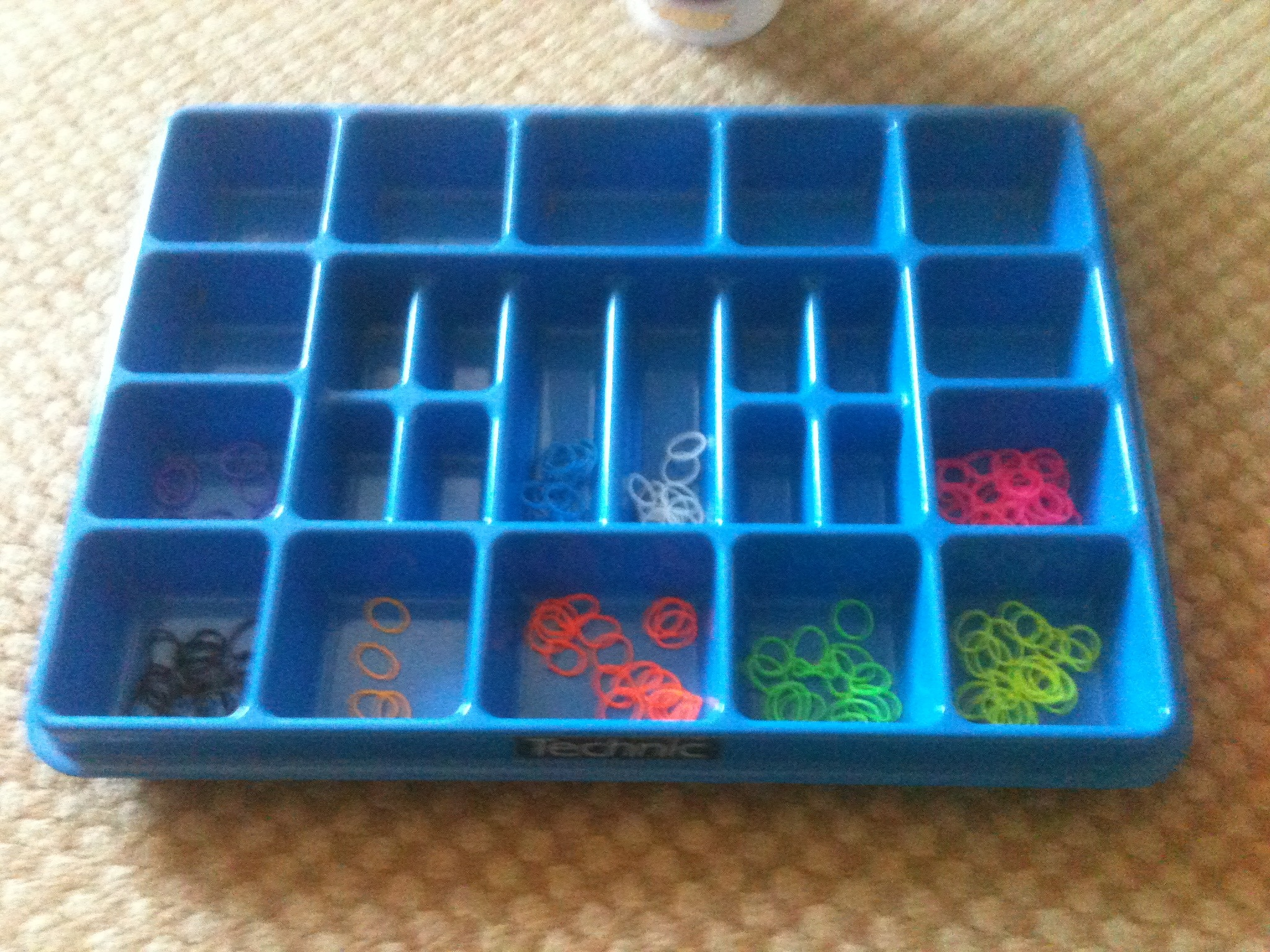 Picture of How to Sort Loom Bands Lego Tray