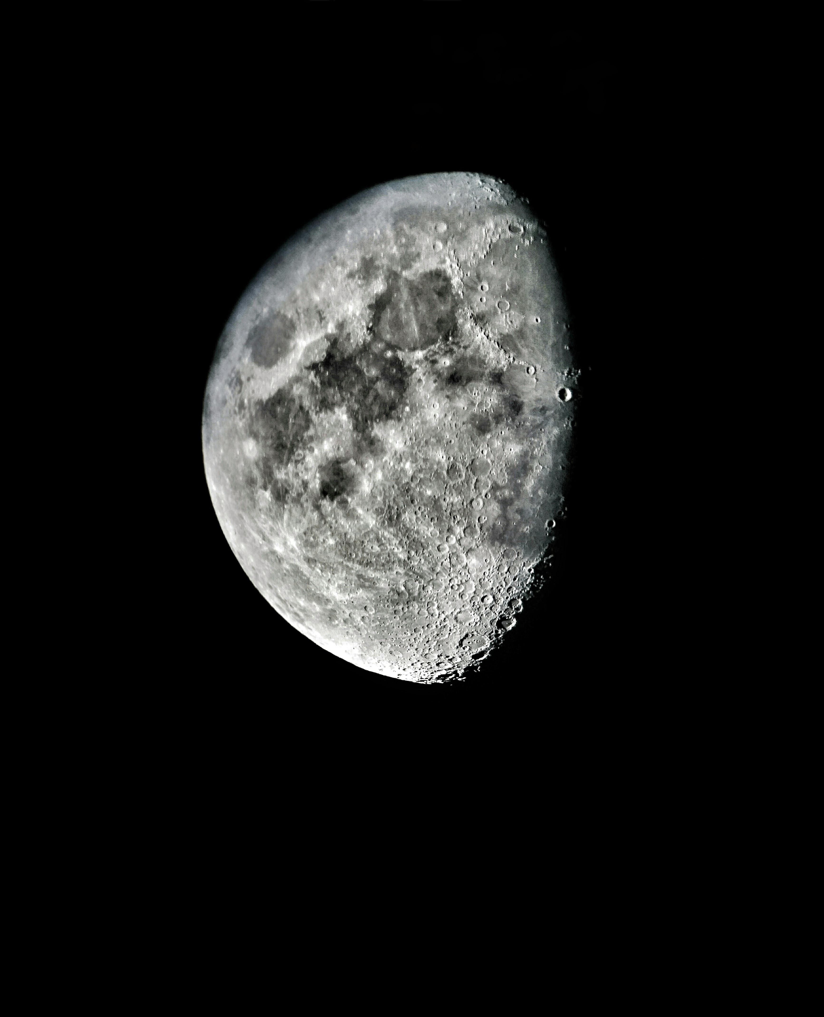 Picture of Tips for Photographing the Moon